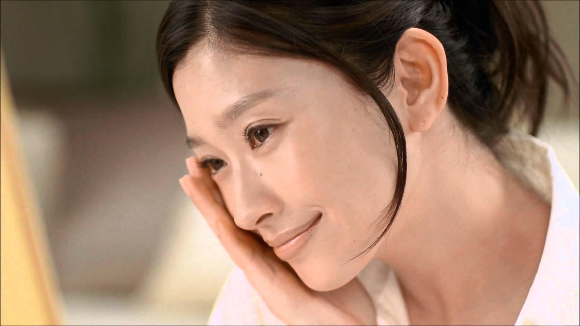 美肌の篠原涼子