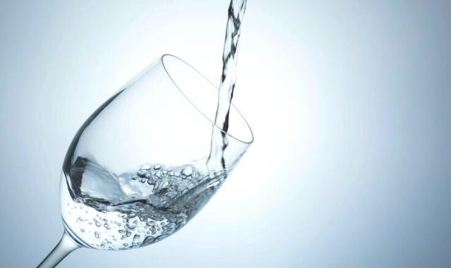 水素水 シリカ水 水素水違い 飲み方 アンチエイジング 効果